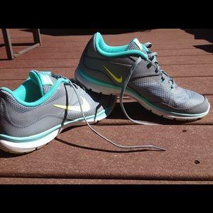 Nike Flex Sneaker